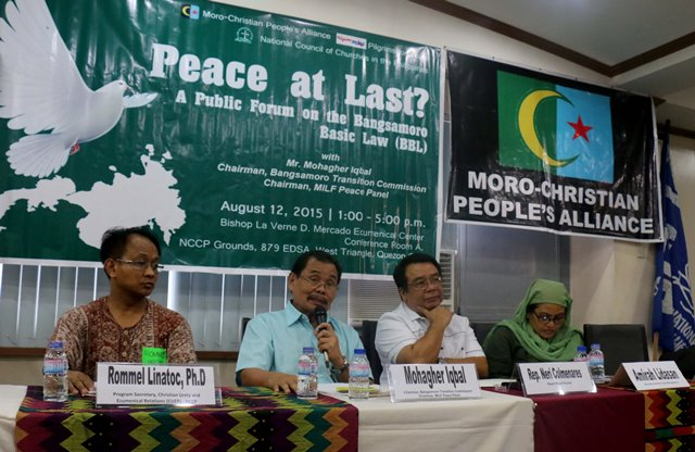 (From left to right: Dr. Rommel Linatoc, NCCP Commission on Unity and Ecumenical Relations program secretary; MILF chief peace negotiator Mohagher Iqbal; Bayan Muna Rep. Neri Colmenares; and Amirah Lidasan of Suara Bangsamoro)