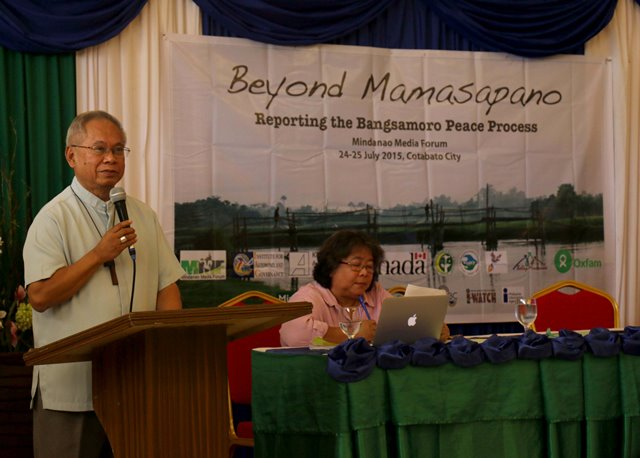 KEYNOTE ADDRESS (From left to right: Archbishop of Cotabato Cardinal Orlando B. Quevedo, OMI; MindaNews editor in chief Carolyn O. Arguillas) Cardinal Quevedo reminds journalists and media practitioners of the importance of the media's tasks of helping inform and educate.
